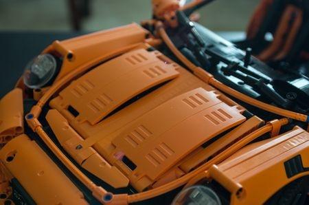 Porsche_front_hood_1.jpg