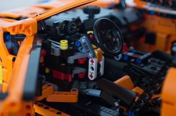 Porsche_volant_2.jpg
